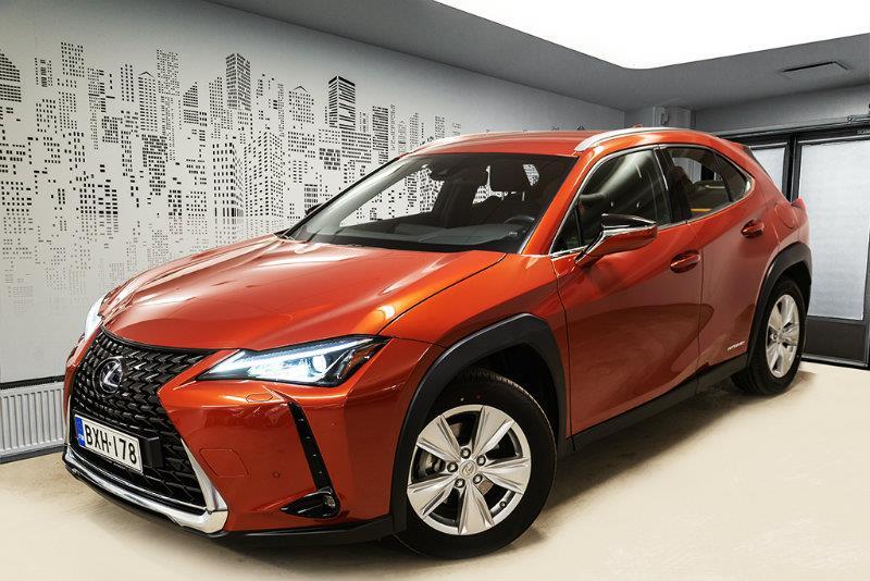 UX 250h Comfort *** *Tähän autoon korko 0,95% + kulut*